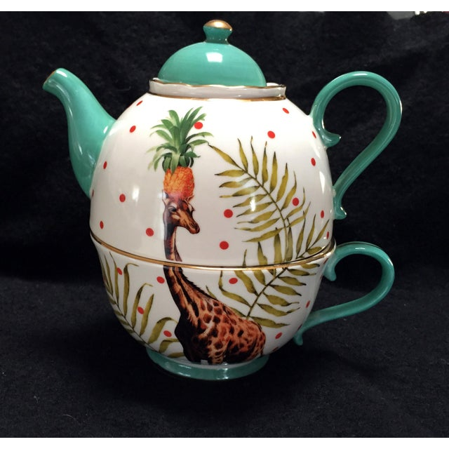 Beautifully decorated giraffe teapot for one made by Yvonne Ellen. I've never heard of this artist before nor have I seen...