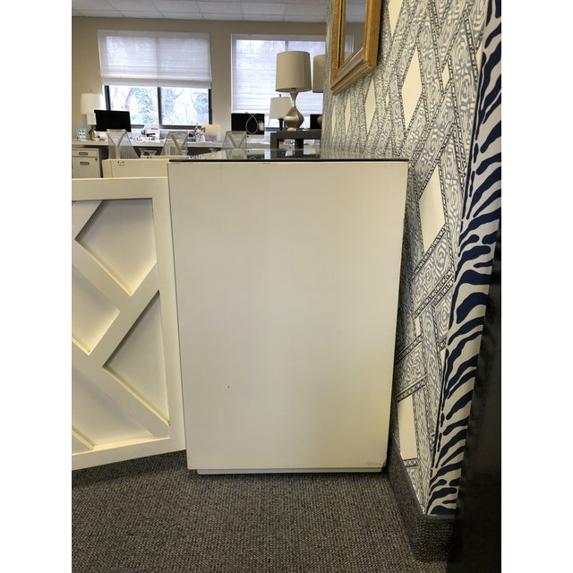 Asian Vintage Fretwork Cream Wood Credenza With Mirror Top For Sale - Image 3 of 8