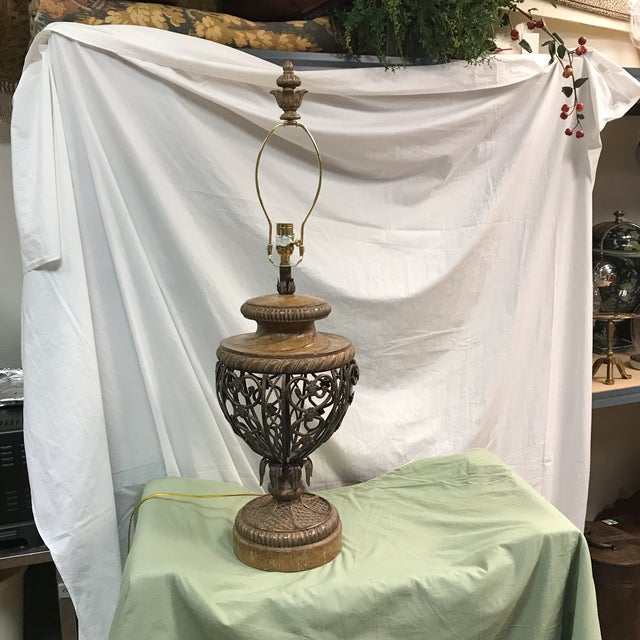 Fine Art Metal Detailed Table Lamp - Image 2 of 11