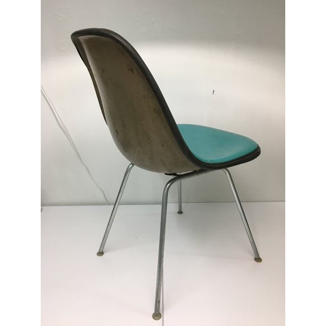 Mid-Century Modern Vintage Molded Side Chair in Turquoise Naugahyde by Charles Eames for Herman Miller For Sale - Image 3 of 13