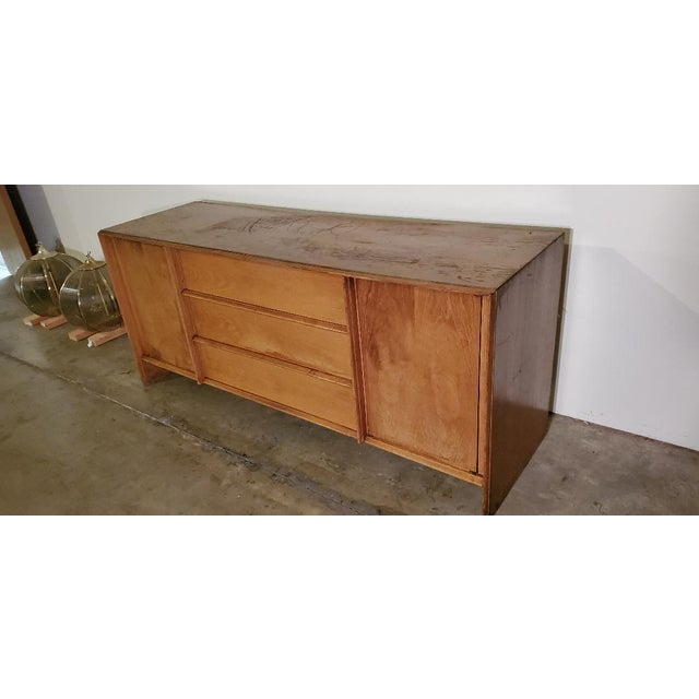 Champagne 1950s T. H. Robsjohn-Gibbings Credenza for Widdicomb For Sale - Image 8 of 13