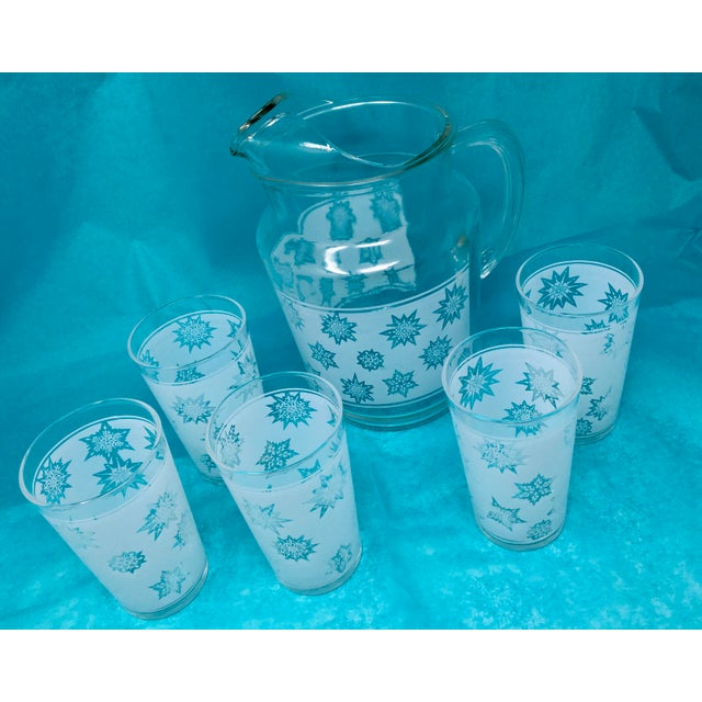 1960s Vintage Snowflake Pitcher & Glasses- Set of 5 For Sale - Image 4 of 10