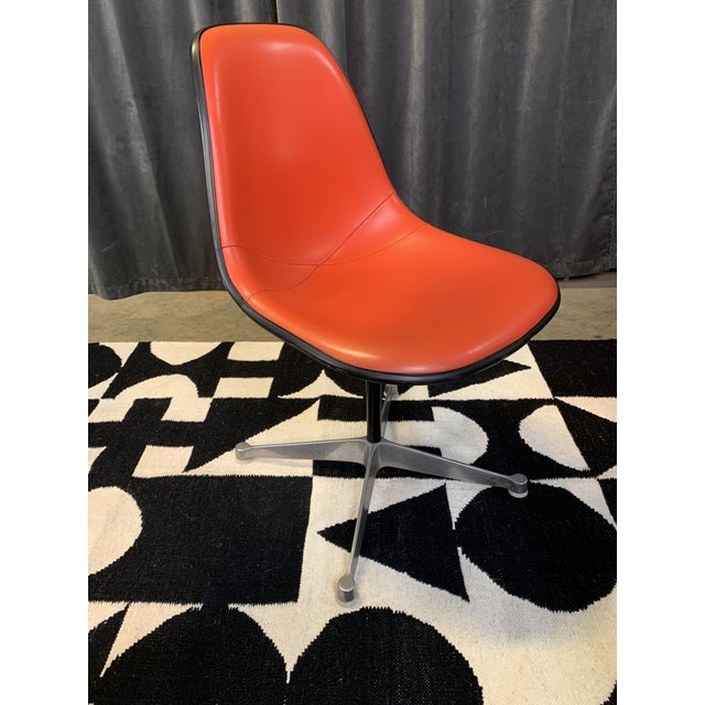 Mid-Century Modern 1970s Eames Chair for Herman Miller For Sale - Image 3 of 11