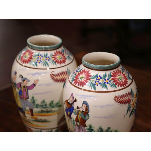 White Pair of Early 20th Century French Hand Painted Vases Signed Hb Quimper For Sale - Image 8 of 12