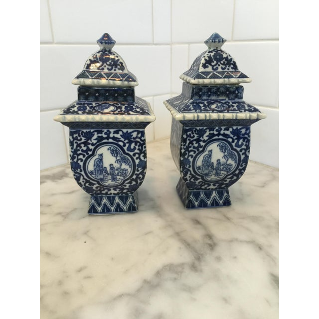 Lidded Blue and White Ginger Jars - a Pair - Image 2 of 4