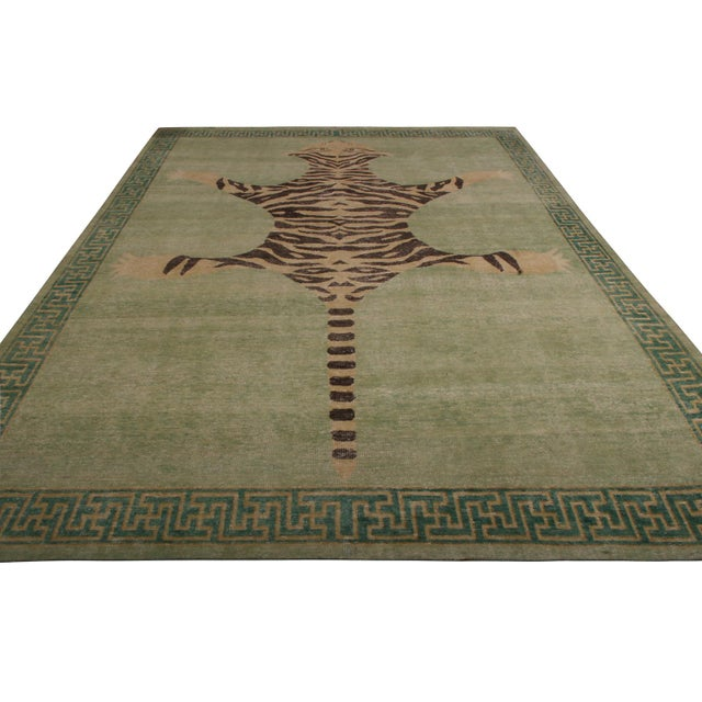 This geometric pictorial piece joins the latest additions to the Homage Collect by Rug & Kilim, an ambitious custom-...