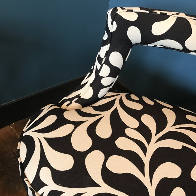 Black & White Botanical Loveseat - Image 7 of 8