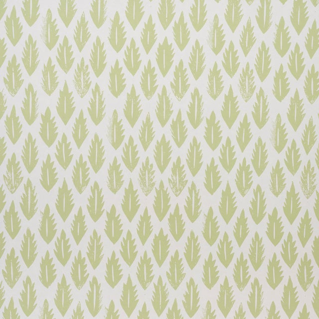 2020s Sample - Schumacher x Molly Mahon Leaf Wallpaper in Grass Green For Sale - Image 5 of 5