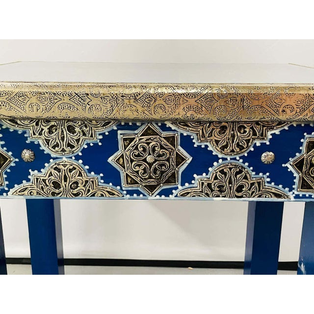 Hollywood Regency Style Moroccan Brass Blue Rectangular Side or End Table, Pair For Sale - Image 9 of 13