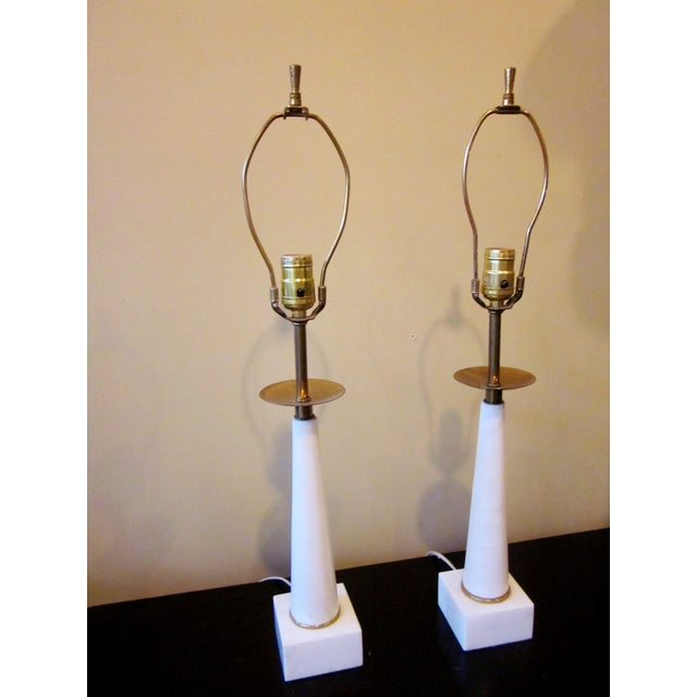 Tommi Parzinger 1950s Modernist White Italian Alabaster and Brass Column Boudoir Table Lamps For Sale - Image 4 of 12