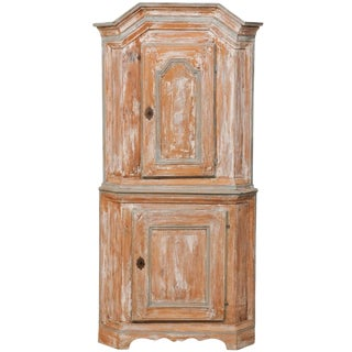 Swedish Late Baroque Corner Cabinet With Scraped Paint and Scalloped Base For Sale