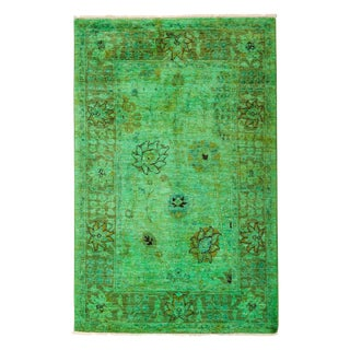 """Vibrance, Hand Knotted Modern Kelly Green Wool Area Rug - 4' 0"""" X 6' 2"""" For Sale"""