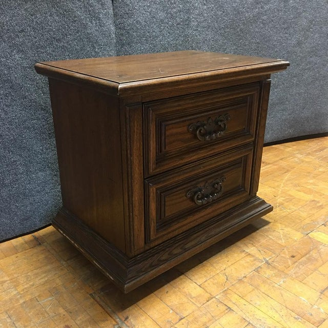 Thomasville Mid-Century Wooden Nightstands- A Pair - Image 5 of 9