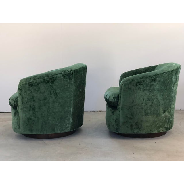1970s 1970s Vintage Milo Baughman Like Swivel Chairs- A Pair For Sale - Image 5 of 7
