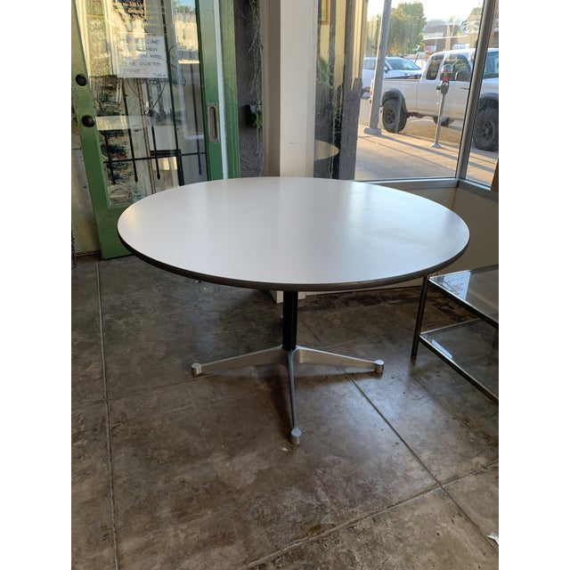 1960s Vintage Herman Miller Round Table For Sale - Image 9 of 9