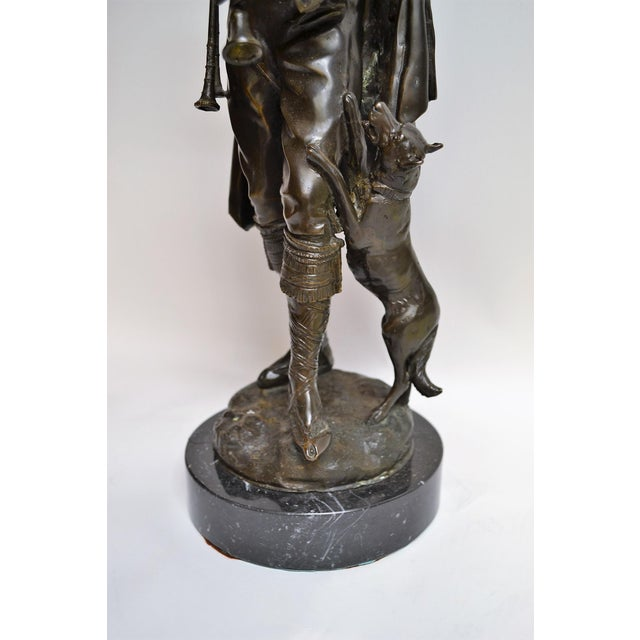 English Traditional Antique Bronze of Scottish Highlander With Bagpipes For Sale - Image 3 of 5