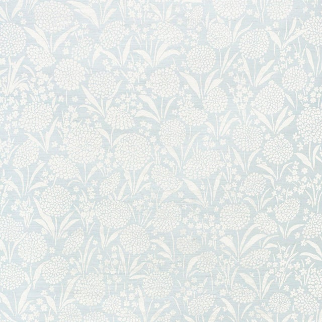Contemporary Schumacher Chrysanthemum Sisal Wallpaper in Sky For Sale - Image 3 of 4