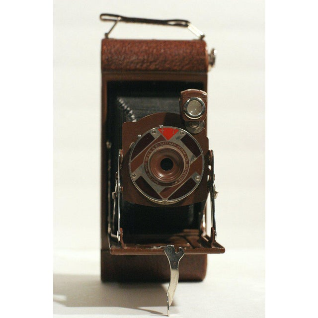 """Walter Dorwin Teague Rare Walter Dorwin Teague Designed Kodak """"1A Gift"""" Camera with Case For Sale - Image 4 of 5"""