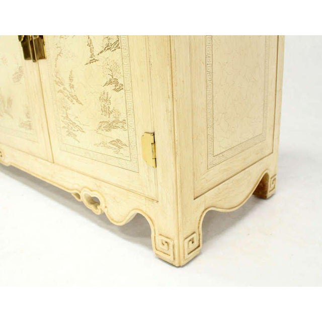 Mid-Century Modern White Lacquer Oriental Style Modern Sideboard by Drexel For Sale - Image 3 of 10