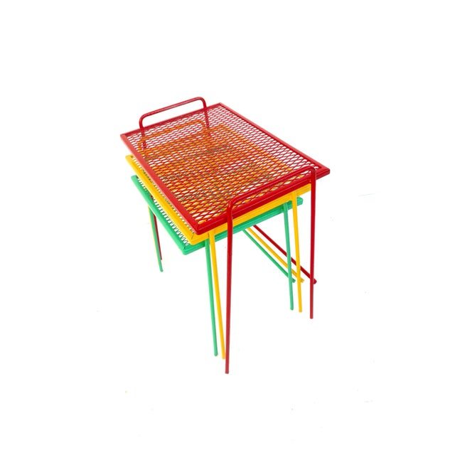 Boho Chic Mid-Century Salterini Metal Nesting Tables || Set of 3 Red, Yellow, Green Indoor/Outdoor Versatile Accent Furniture For Sale - Image 3 of 11