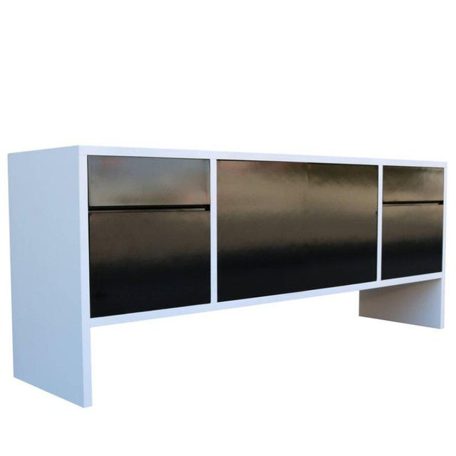 Milo Baughman White Lacquered Credenza with Contrast Doors - Image 8 of 8