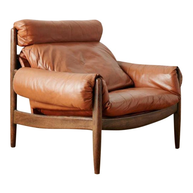 1970s Mid-Century Modern Brown Leather and Wood Lounge Chair For Sale