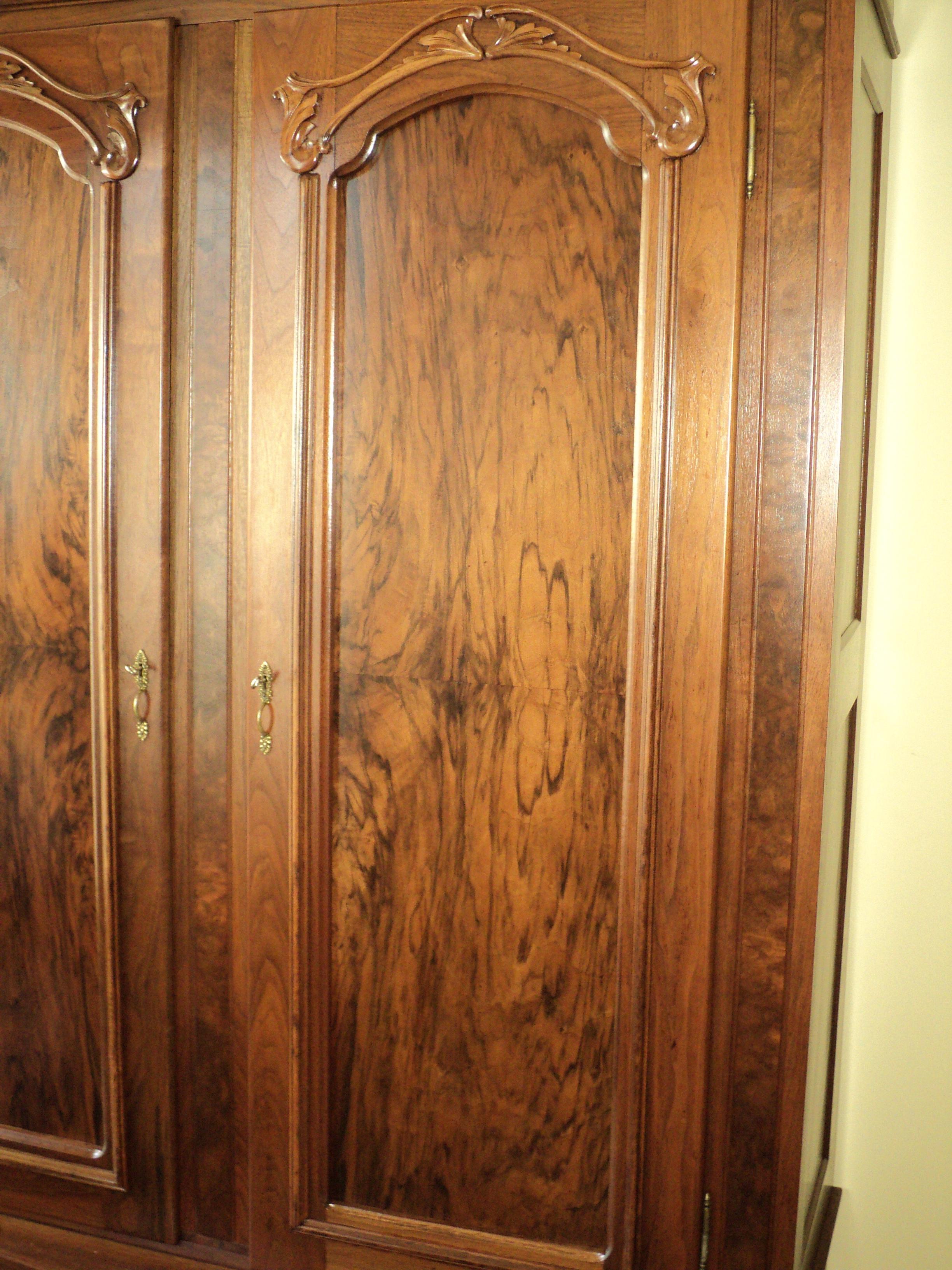 Antique Walnut 2 Door Wardrobe/Armoire   Image 5 Of 8