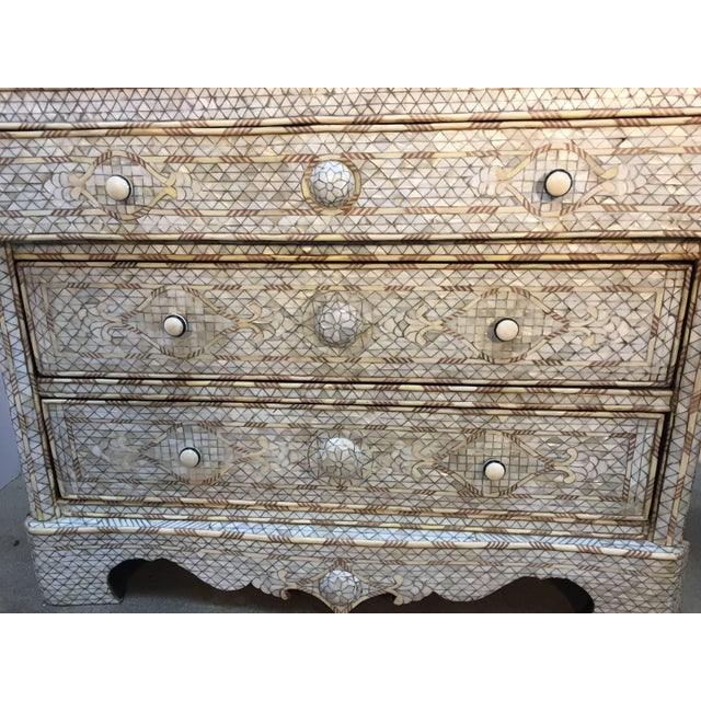 White Syrian Wedding Chest of Drawers Inlay with Mother-Of-Pearl For Sale In Los Angeles - Image 6 of 9