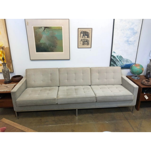Mid Century Modern Florence Knoll Boucle Sofa For Sale In San Francisco - Image 6 of 6