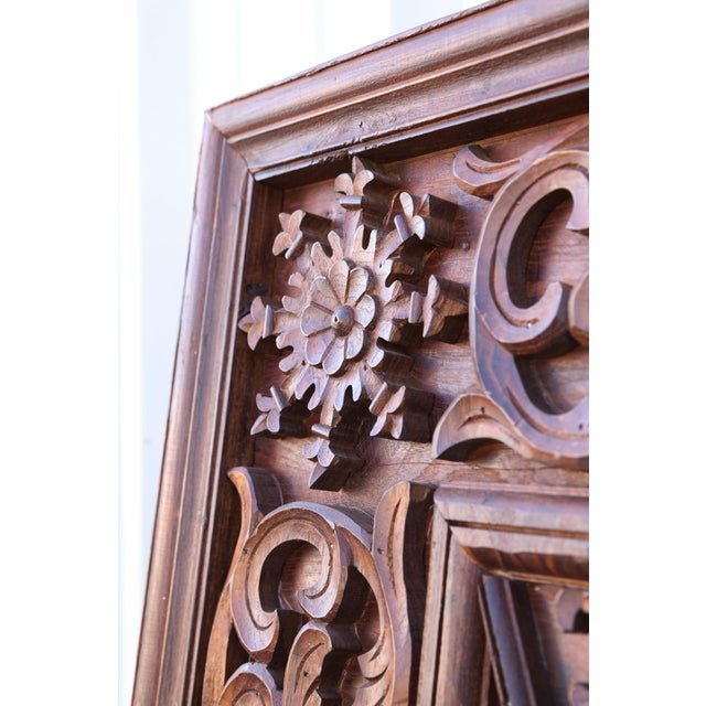 Late 19th Century 1880s Carved Solid Teak Wood Ceiling From Temple in Deccan For Sale - Image 5 of 11