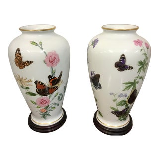 1980s Franklin Porcelain John Wilkinson Country Garden Meadowland Butterfly Vases - a Pair For Sale
