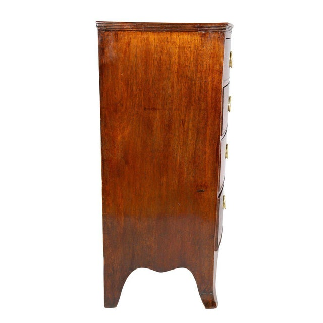 George III Mahogany Chest of Drawers For Sale In Boston - Image 6 of 8