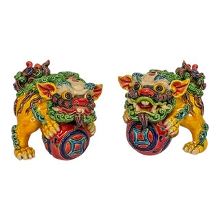 Petite Pair of Foo Dogs Vintage 1970s For Sale