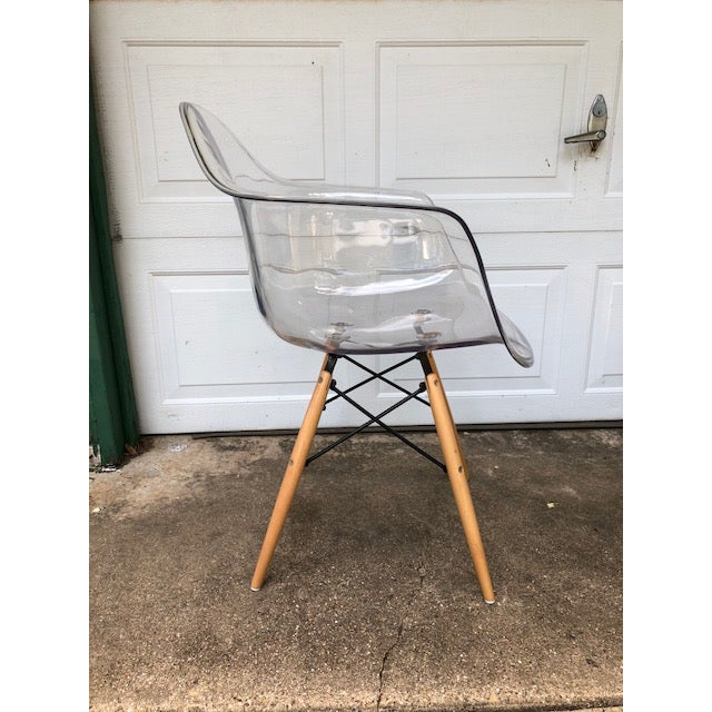 Contemporary Modern Acrylic Side Chair For Sale - Image 3 of 7
