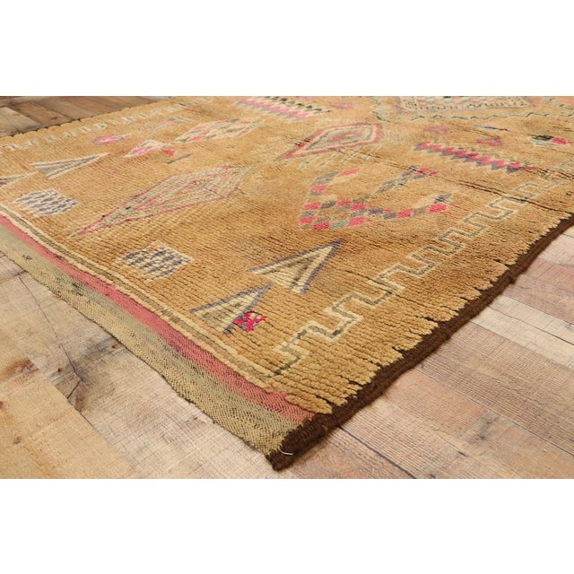 Vintage Berber Moroccan Rug With Earth-Tone Colors - 05'01 X 08'05 For Sale In Dallas - Image 6 of 10