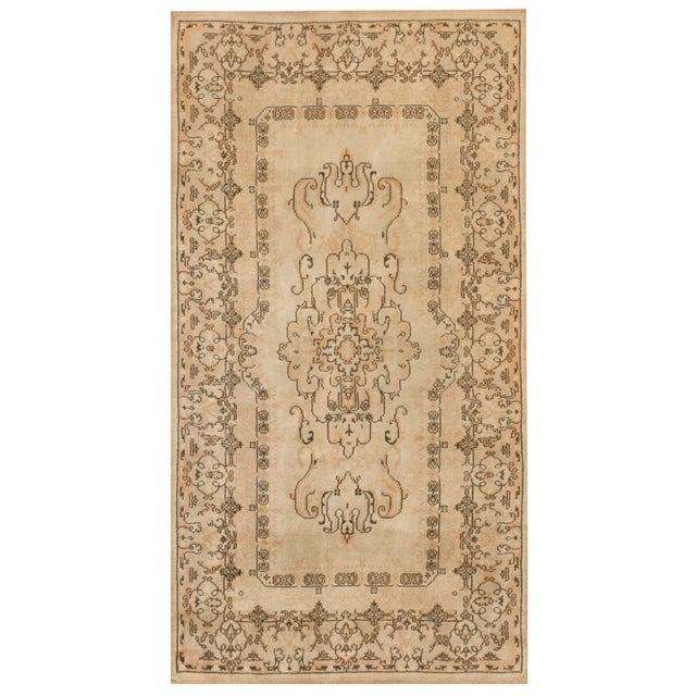 1940s Vintage Turkish Sivas Rug For Sale In New York - Image 6 of 6