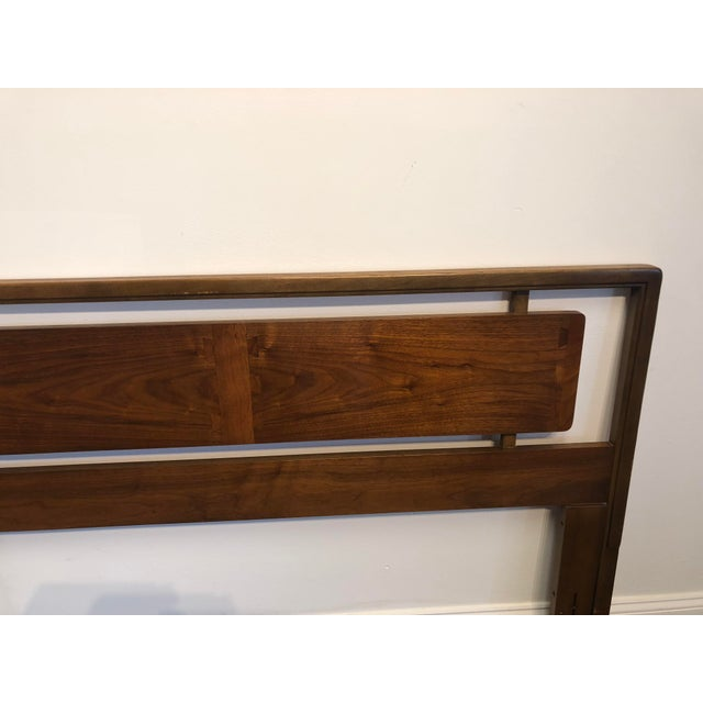 1970s Mid-Century Lane Acclaim Full / Queen Walnut Headboard For Sale - Image 5 of 9
