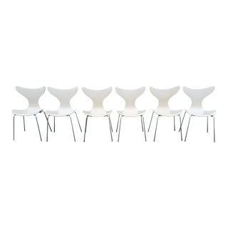 Vintage Mid Century 1970's Arne Jacobsen for Fritz Hansen Lily Chairs- Set of 6 For Sale