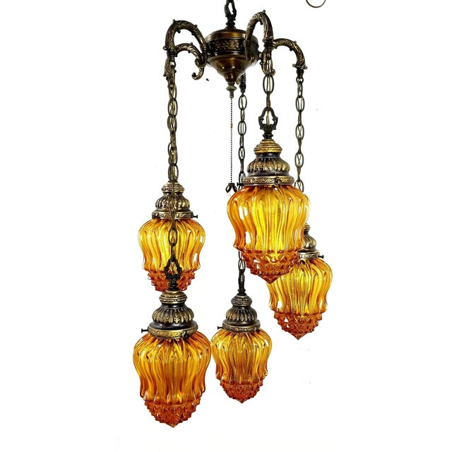 1960s Mid-Century Modern Hollywood Regency Amber Swag 5 Crackle Globe Brass Hanging Lamp For Sale - Image 13 of 13