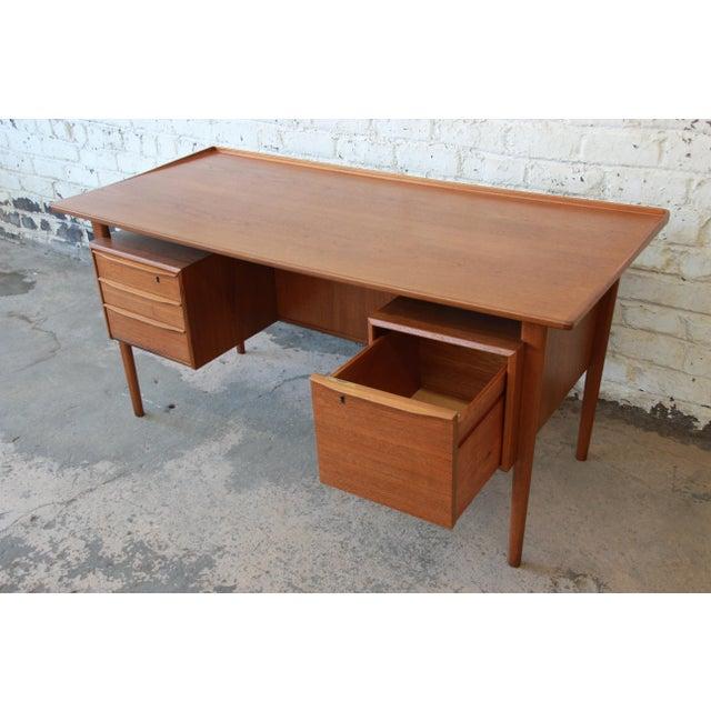 Danish Modern Teak Floating Top Desk by Peter Løvig Nielsen for Lovig Dansk, 1969 For Sale - Image 10 of 13