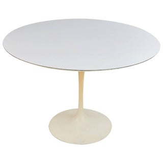 Tulip Dining Table by Eero Saarinen for Knoll Associates For Sale