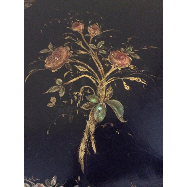 Jennens and Bettridge Late 19th Century Antique Chinoiserie Faux Bamboo Paper Mache Table With Mother of Pearl Inlay After Jennens and Betridge For Sale - Image 4 of 11