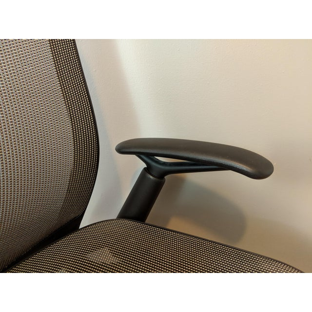 Gray Contemporary Knoll Chadwick Black Office Desk Chair For Sale - Image 8 of 12