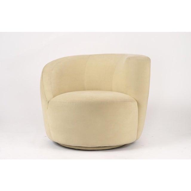 Vladimir Kagan Pair of Vladimir Kagan 1970 Swivel Lounge Chairs For Sale - Image 4 of 10
