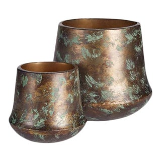 Kenneth Ludwig Chicago Ilya Cachepots - A Pair For Sale