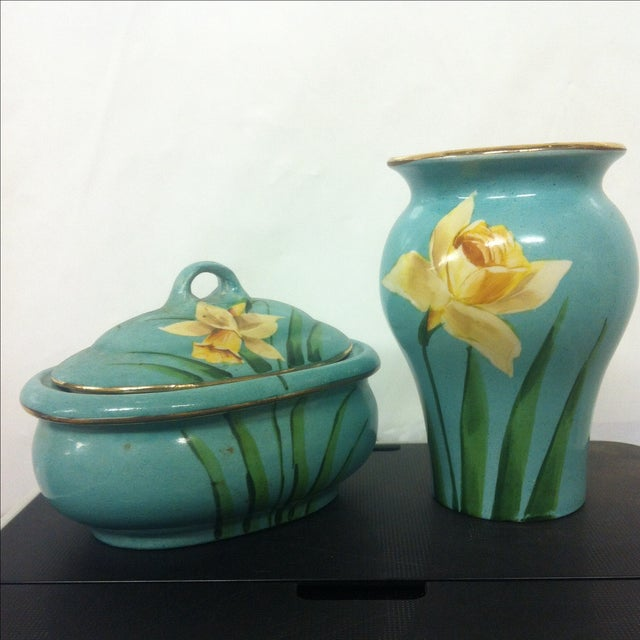 Cottage Early American Avon Pottery - A Pair For Sale - Image 3 of 7