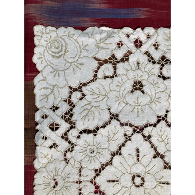 Vintage Ivory Linen Embroidered Placemats- Set of 6 For Sale - Image 4 of 5