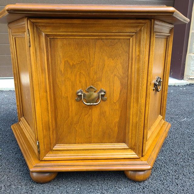 Ethan Allen Ethan Allen Heirloom Nutmeg Maple Hexagonal Storage Table For Sale - Image 4 of 13
