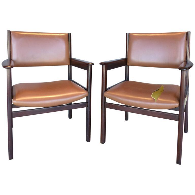 1950s Jacaranda Wood Armchairs By Sergio Rodrigues For OCA   A Pair For  Sale   Image