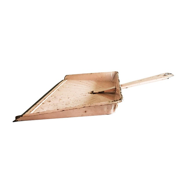 Vintage Pink Metal Dustpan - Image 3 of 4